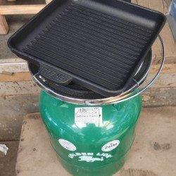 Сковорода гриль газ для газовых баллонов 5,8,12,15 л BRIZOLL (размер: 180*180*25) квадрантная чугунная (1.3 кг)